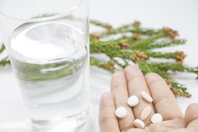 秋花粉とは?予防方法と治療薬について