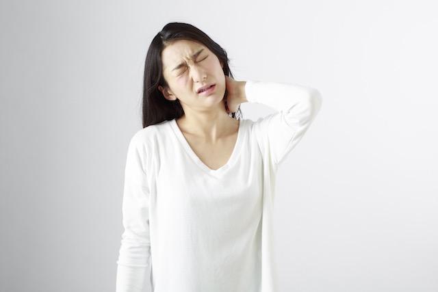 肩こりも更年期障害の症状の1つ