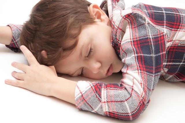 日本人は寝ていない?睡眠障害で国の損害が3.5兆円!